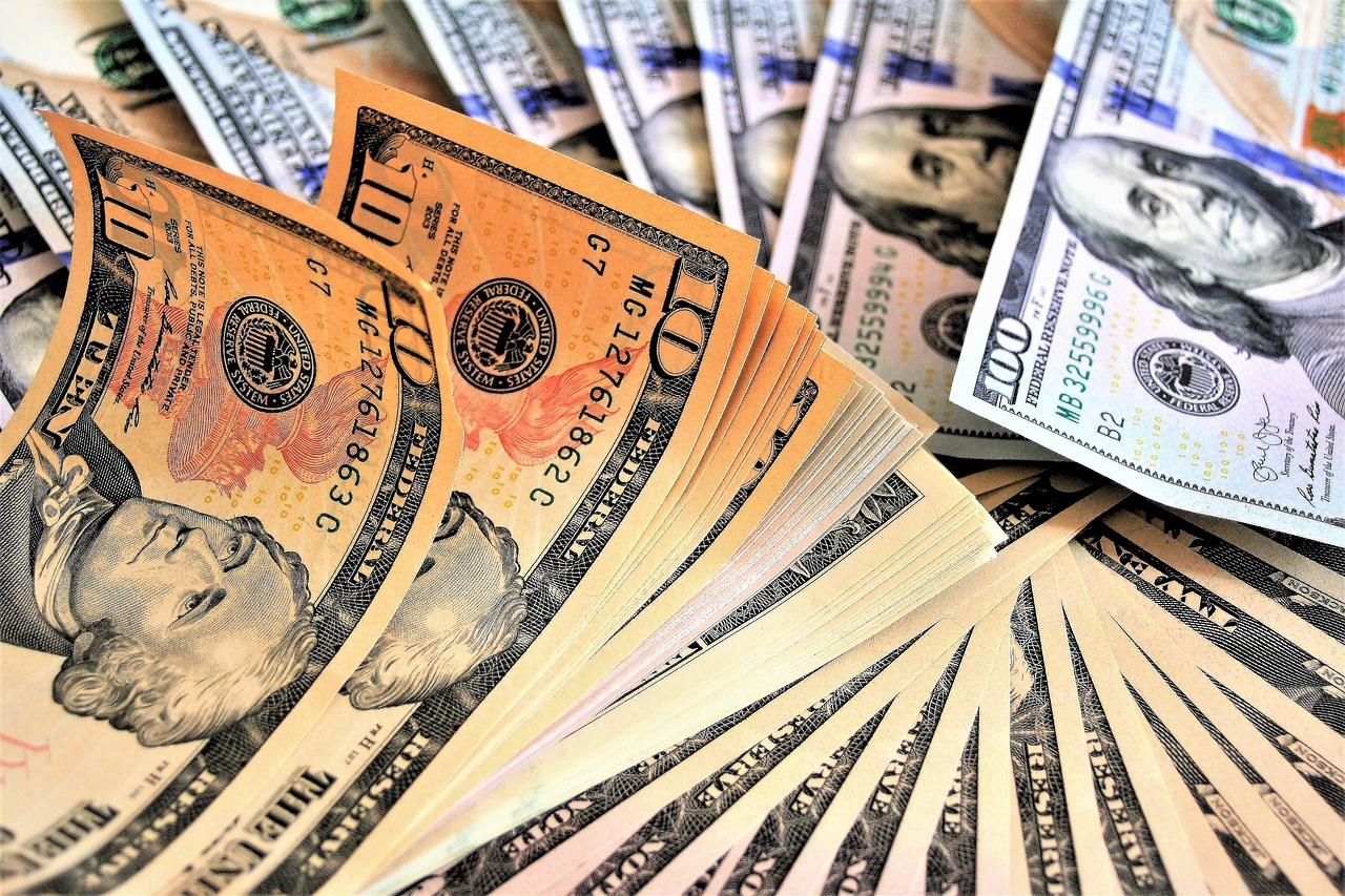 100-dolar-banknoten